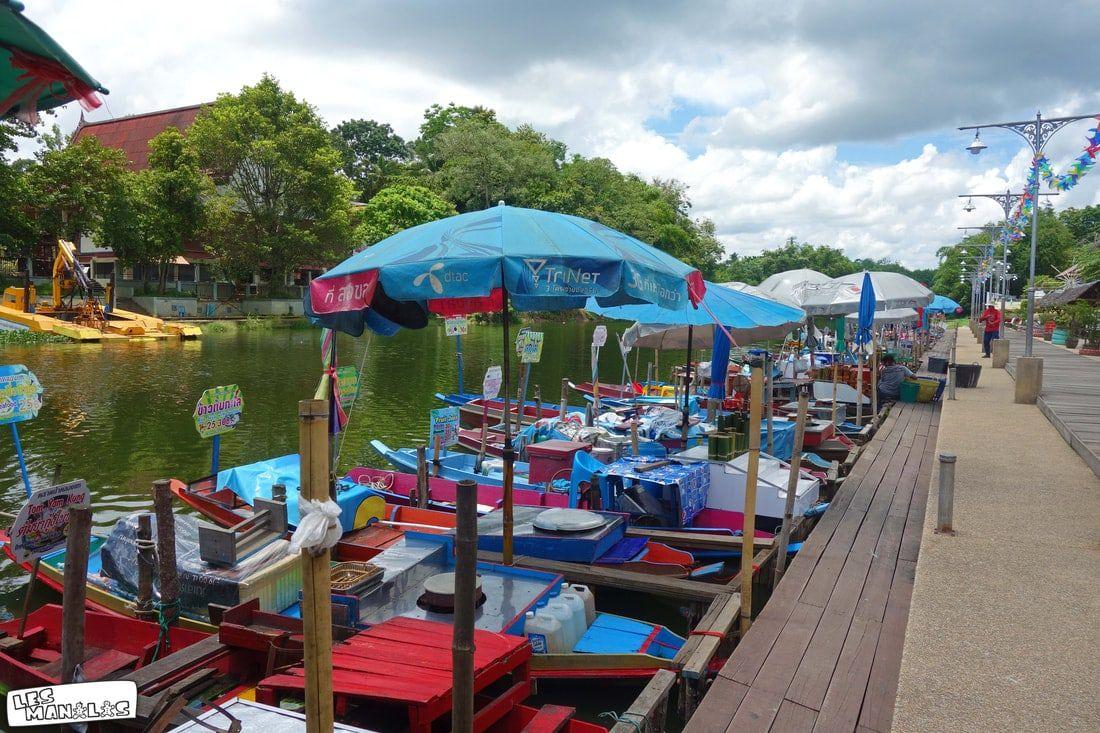 lesmanalas_market_floating_hat_yai