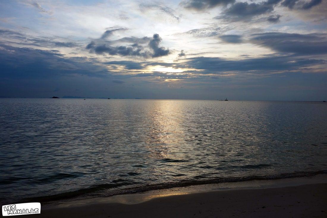 lesmanalas_secret_beach_sunset