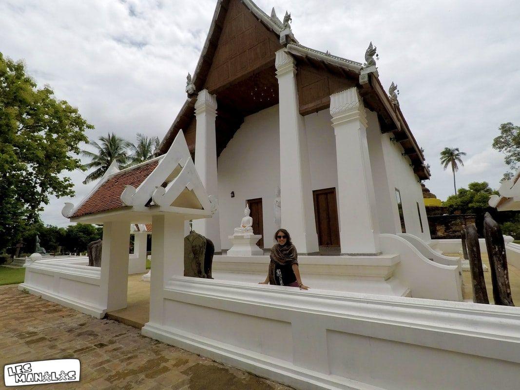 lesmanalas_temple_blanc_sukhothai