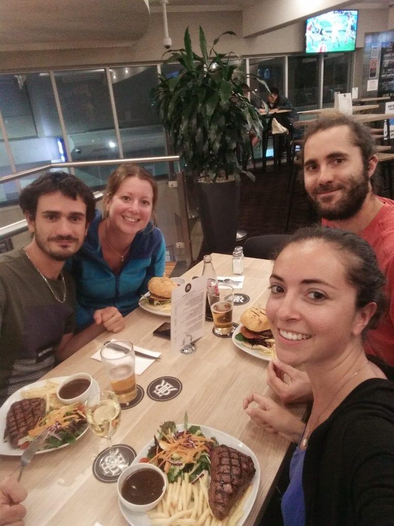 Laura, Mathieu et les Manalas à Sydney