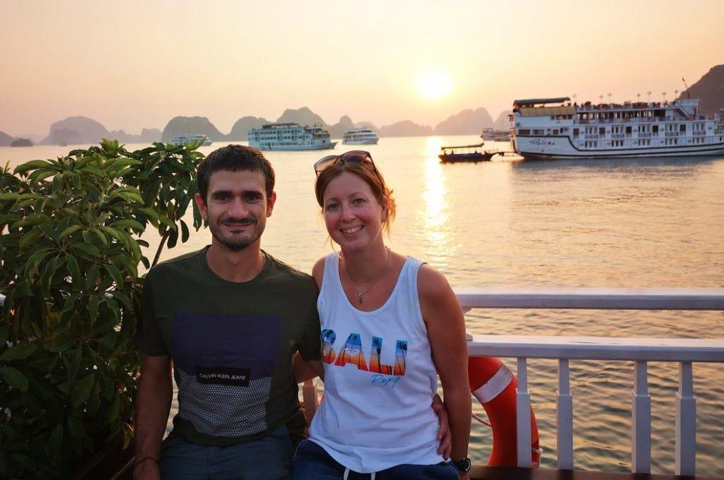 Mathieu et Laura en visite de la Baie d Ha Long au Vietnam